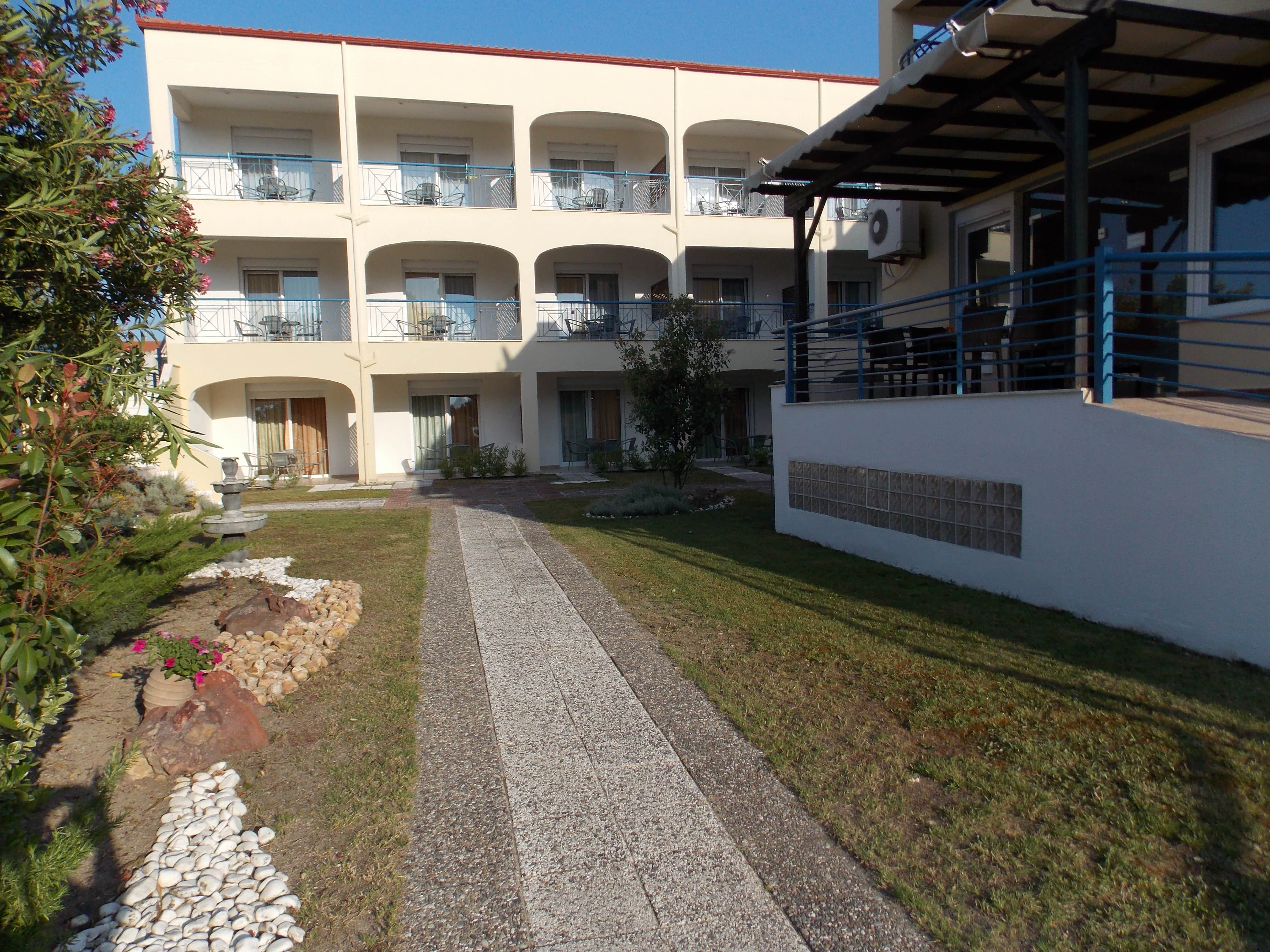 hotel1-min
